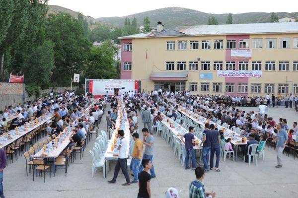 Şehri Bediüzzamanda Ramazan Yemeğine Yoğun İlgi