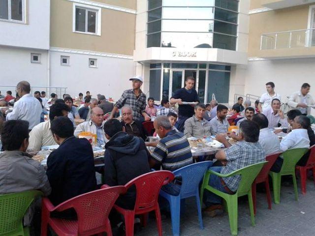 Adilcevaz Belediyesi'nden Asyader'e İftar Yemeği