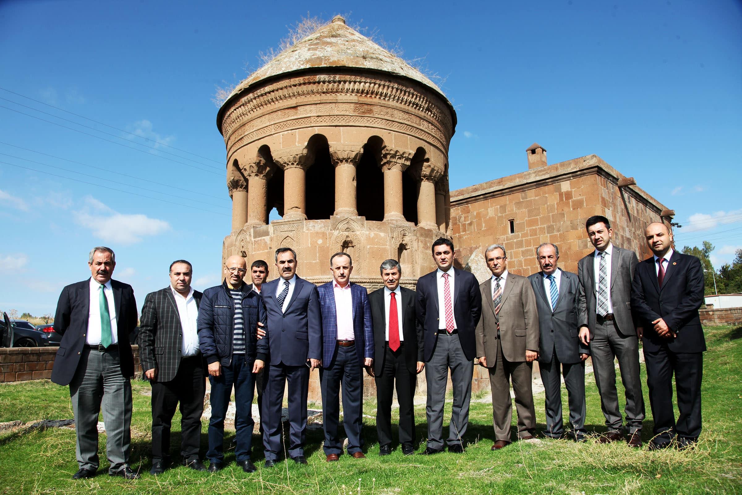 Bağcılar Belediye Başkanı Ahlat İlçesini Gezdi