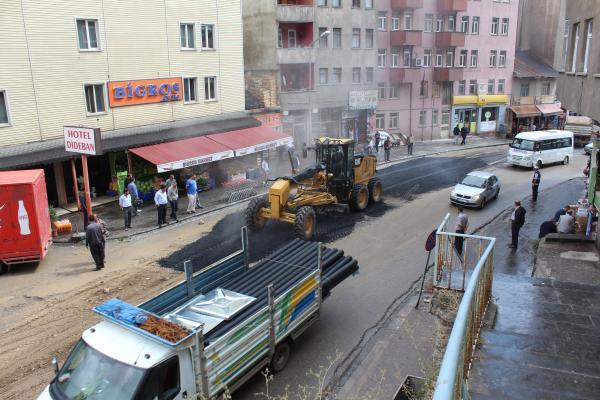 Bitlis Belediyesi Asfalt Çalışmalarını Hızlandırdı