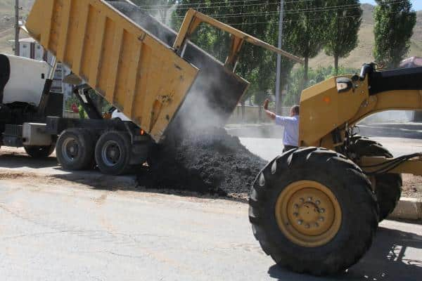 Bitlis'te Asfaltlama Çalışmaları Devam Ediyor