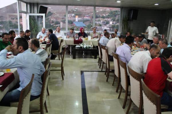 Bitlis Belediyesi'nden Stk ve Gazetecilere İftar Yemeği