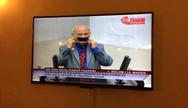 Bitlis Milletvekili Zenderlioğlu Mecliste Ağzını Bantladı