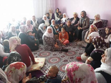 Bitlis'te Mahalle Halk Toplantıları Devam Ediyor