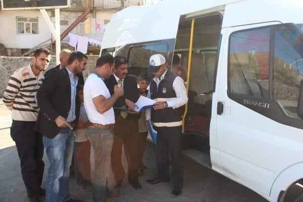 Bitlis'te Zabıtalar Öğrenci Servis Araçlarını Denetledi