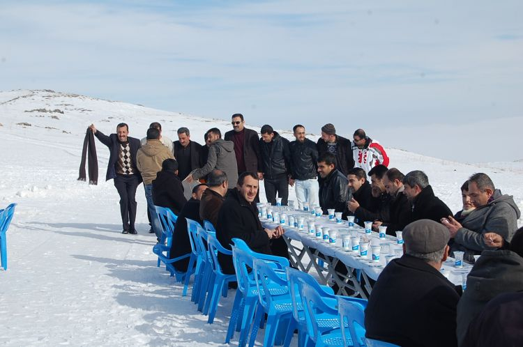 Güroymaklılar Nemrut'ta Kar Şenliğinde Buluştular