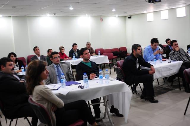 Hizan'da Proje Hazırlama Eğitimi Veriliyor