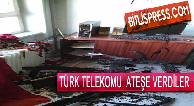 Hizan'da Türk Telekomu Ateşe Verdiler