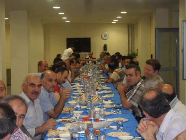 Milli Eğitim Çalışanları İftar Yemeğinde Bir Araya Geldiler