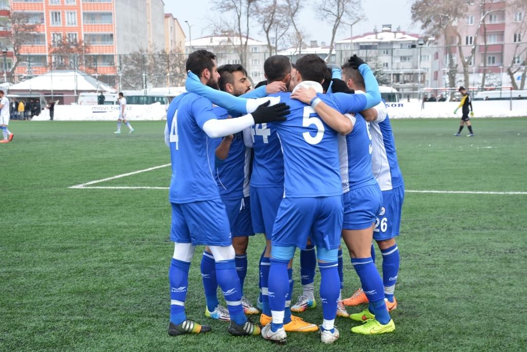 Tatvan Gençlerbirliği, Kurtalan Spor'u 4 – 0 Yendi