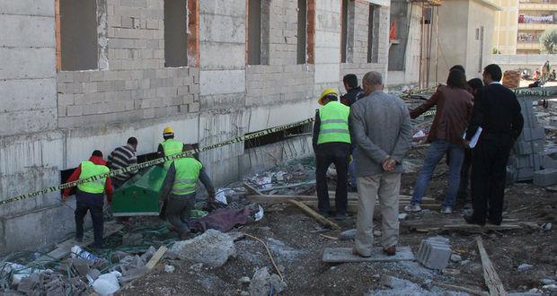 Adana'da inşaattan düşen işçi hayatını kaybetti