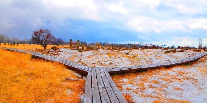 Ahlat Selçuklu Mezarlığı kışın ayrı bir güzel
