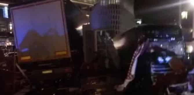 Berlin'de noel pazarına TIR'la terör saldırısı