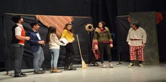 """Bitlis'te """"Zamsalak"""" oyunu sahnelendi"""