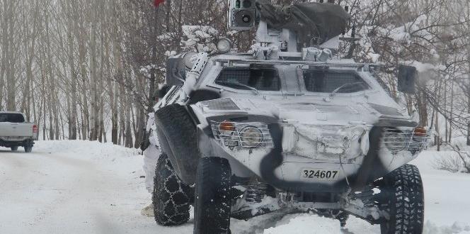 Bitlis Valisi Çınar'dan üs bölgesindeki askerlere ziyaret