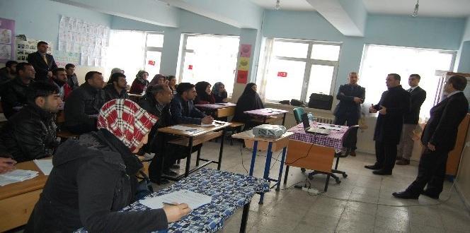 Kaymakam Alibeyoğlu'dan kursiyerlere ziyaret