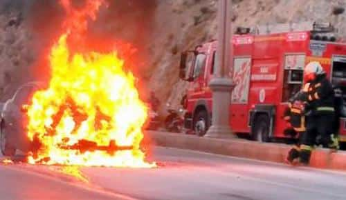 LPG'li otomobil cayır cayır yandı