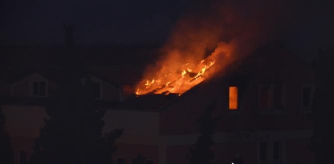 Soma'da okulda yangın çıktı