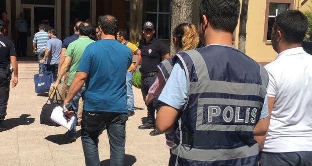 SON DAKİKA! FETÖ'den tutuklananlar ve gözaltına alınanlar (15 Aralık 2016)