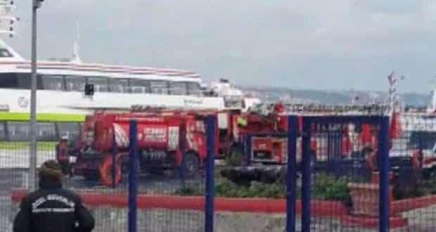 SON DAKİKA HABERİ!Sarayburnu'nda deniz otobüsünde yangın