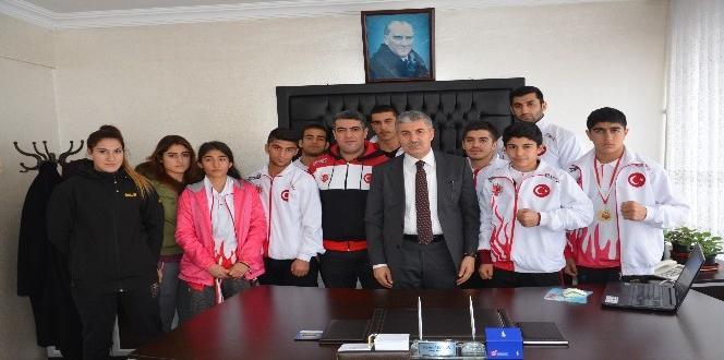 Sporculardan Başkan Aksoy'a ziyaret